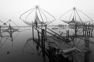 Checking the Nets - Kumarakom, India 2014