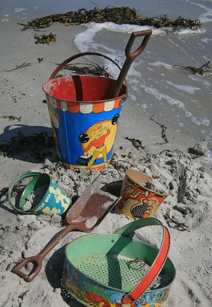 Sand Pails c2009